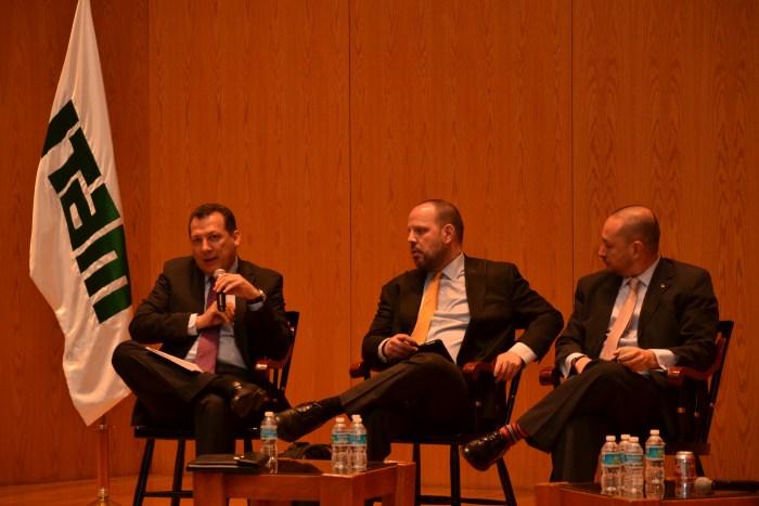 Dr. Raúl Plascencia discutiendo los efectos de la reforma