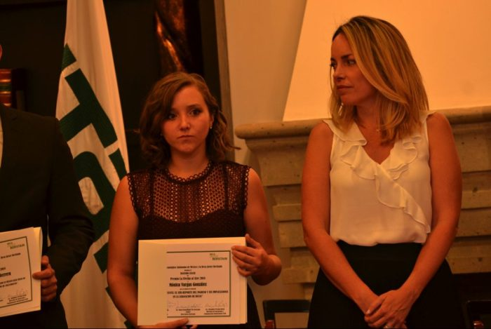 Mónica Vargas, ganadora del premio Flecha al aire