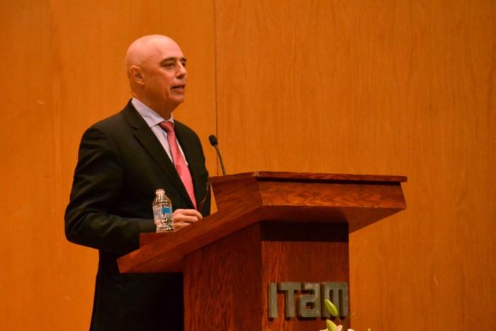 Dr. Arturo Fernández en el Premio de Investigación ExITAM