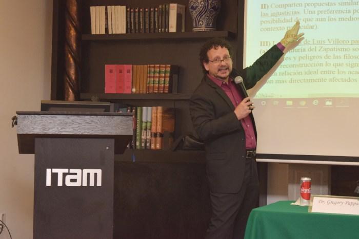 Gregory Pappas, Doctor en Filosofía, exponiendo al autor Luis Villoro.