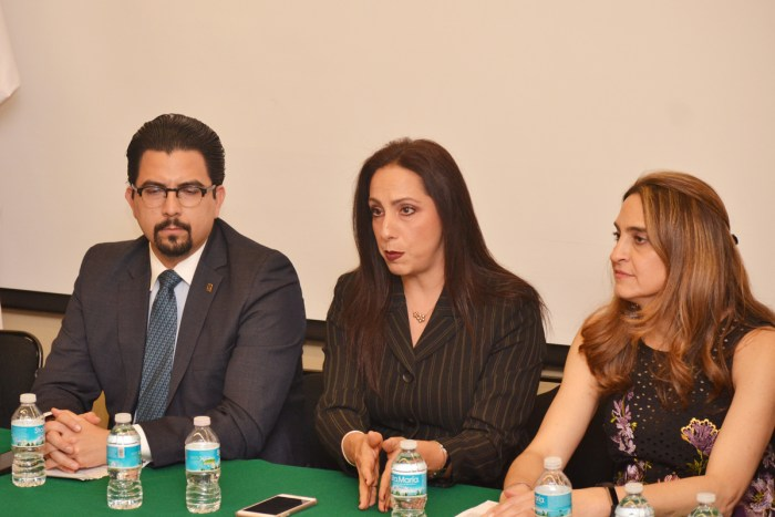 Adalberto Méndez, Gabriela López y Sofía Charvel
