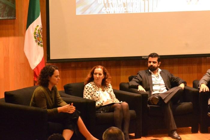 Adriana Aguilar exponiendo sobre cómo las CPGs aprovechan AI en su gestión comercial. FOTO: ITAM