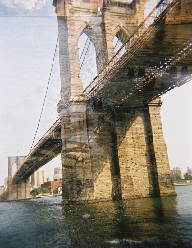 Brooklyn bridge - Holga - Fuji 100