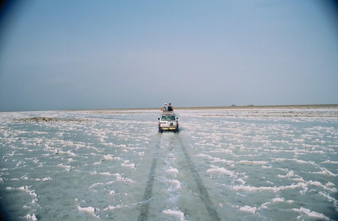 Turistas en el Dalol - Canon EOS500N - Kodakchrome 100 día