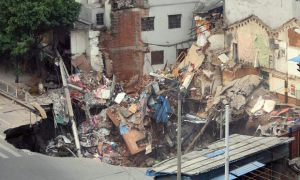 Enorme dolina engulle edificios en Guangzhou, China