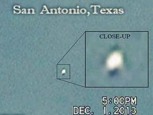 Esfera OVNI metálica sobre San Antonio, Texas – 01 de diciembre 2013