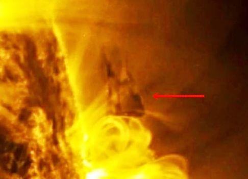 Sombra OVNI cerca del sol revelada por llamarada solar