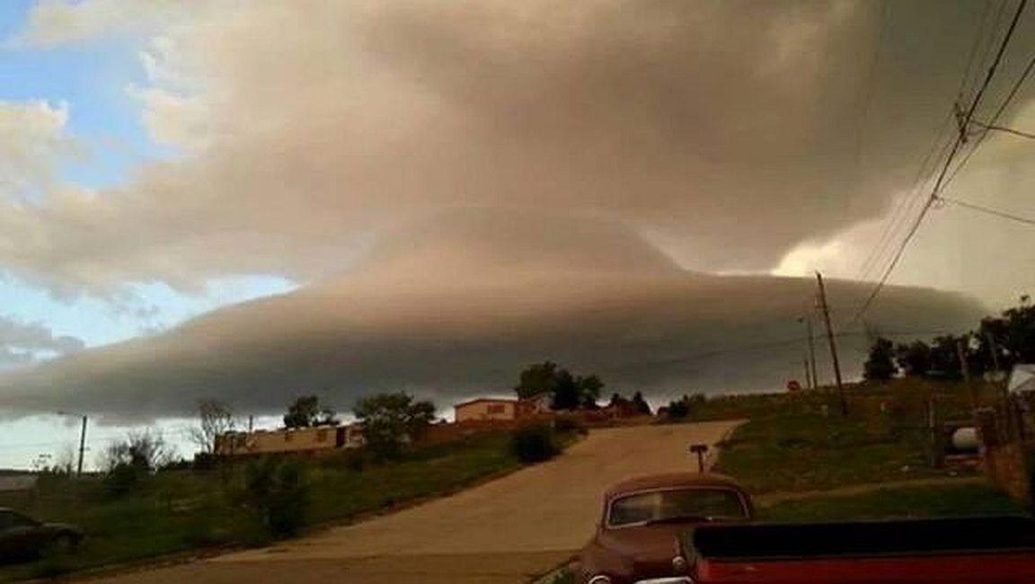 Nube con forma de platillo sobre Las Vegas