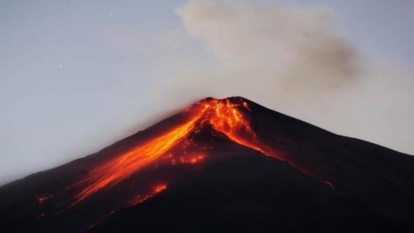 ALARMA EN GUATEMALA – Violenta Erupción del Volcán de Fuego