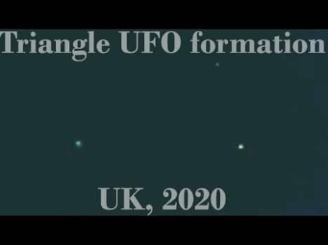 Formación de triángulos en el cielo sobre Kelso, Reino Unido 17-mayo-2020