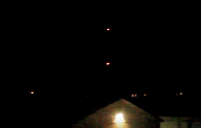 2 luces OVNI fugaces mientras rastrea aviones después de una sesión de CE5, Comstock Park, MI, 7 de agosto de 2020