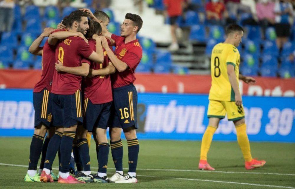 Antonio Blanco debuta con España