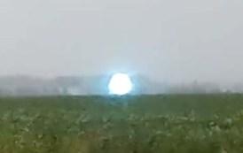 Enorme esfera luminosa es captada levitando en la ciudad rusa de Novosibirsk