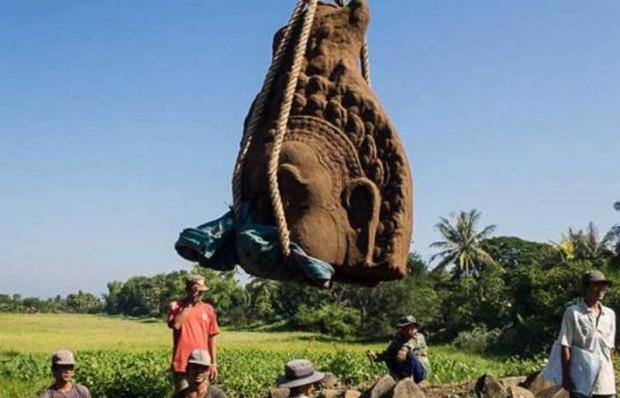 Desentierran tres enormes cabezas de estatua en Cambodia