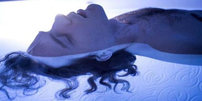dc3d3b1a336fbbd51585e31c95f45c83 15 - Tanques de flotación: un modo de llegar a otro estado de conciencia
