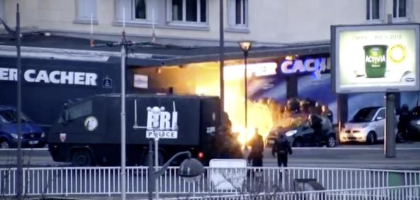 images assaut raid vincennes hyper kacher 1 - LA MANIPULACIÓN DE LOS MEDIOS DE COMUNICACIÓN EN EL TIROTEO DE PARIS