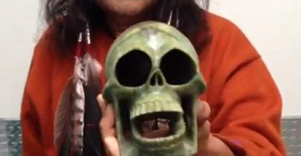 ¿Te atreves a escuchar el aterrador sonido del Silbato Azteca de la Muerte?