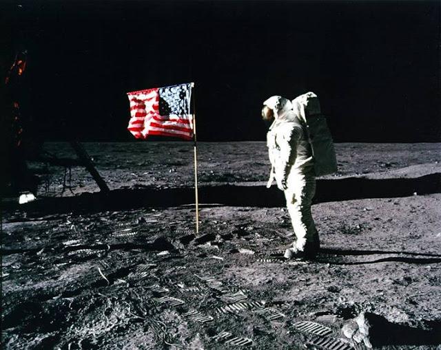 viajelunafraude23g - El viaje a la luna NO LO VIMOS, un estudio profundo afirma que las fotos son falsas.