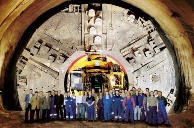 underground28 03 small - Ubicación de cien bases militares subterraneas, algunas de ellas auténticas ciudades en USA