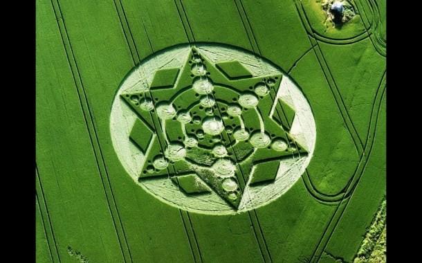 El misterio de los círculos de cosecha Huellas desde el cielo