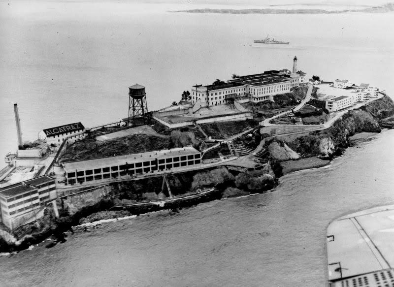 "unnamed file 699 - ""Si voy a la cárcel solo un año, les diré el lugar exacto donde estoy"": una carta al FBI reabre el caso de la legendaria fuga de Alcatraz"