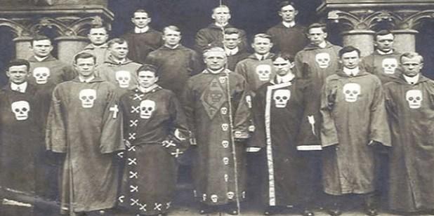 Las 13 familias illuminati que gobiernan secretamente el mundo