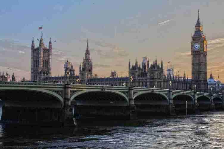 بريطانيا في المرتبة الخامسة كأكثر الدول استقبالاً للهجرة على مرّ الزمن