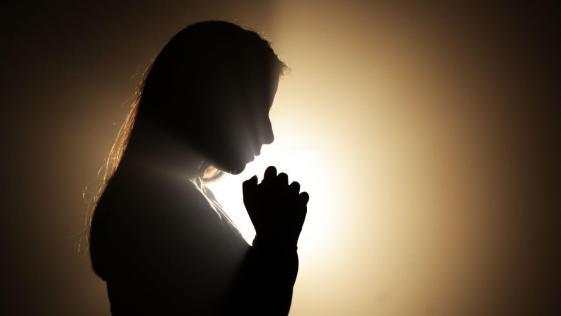 oração a Deus - silhueta