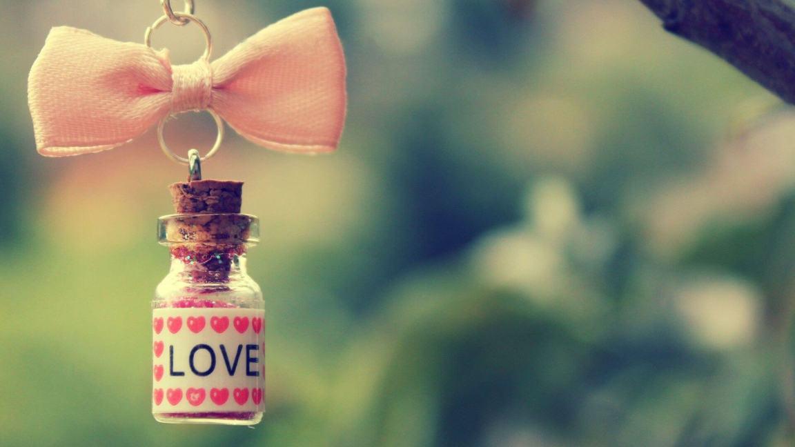 chaveiro escrito love pendurado