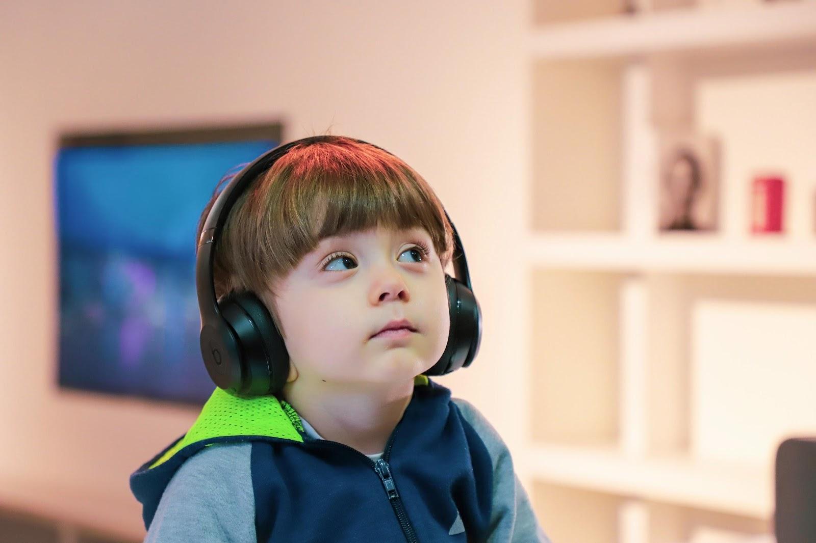 4 maneiras de incentivar crianças a gostarem de podcasts