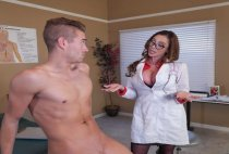 Doctor Adventures - Doctor, I Cheated On My Girlfriend - Ariella Ferrera