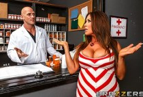 Doctor Adventures - Filling her Prescription and Pussy - Kianna Dior