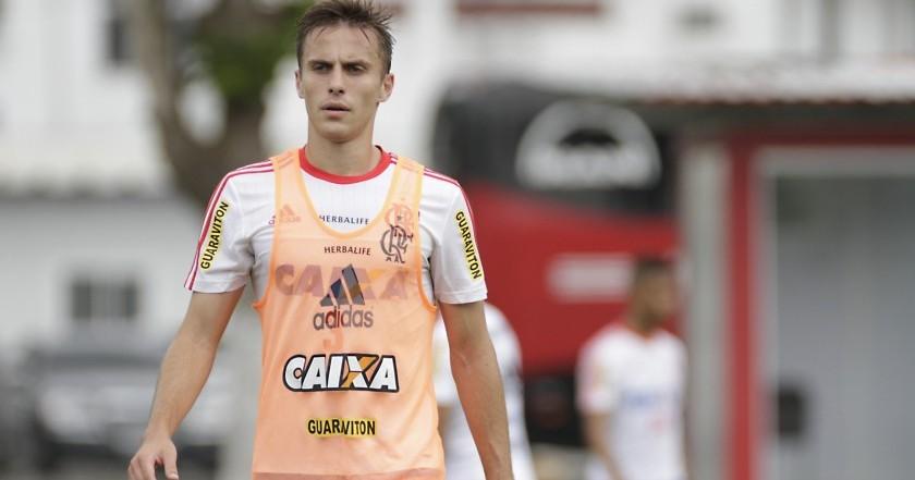 Bressan espera oportunidade para mostrar que pode ser útil ao Flamengo