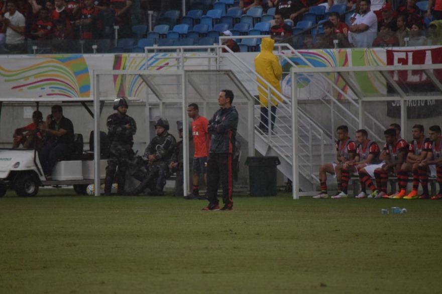 Zé Ricardo assume erros e aproveita coletiva para mostrar sua visão de futebol