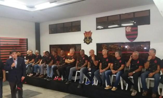 """Em evento na Gávea, Flamengo lança camisa """"Ídolos Eternos"""""""