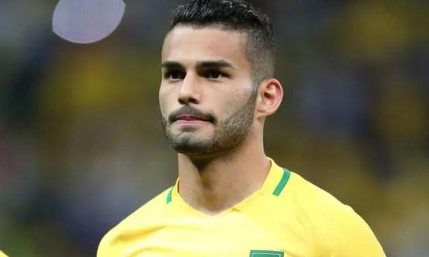 Flamengo contrata Thiago Maia, mas torcida ainda prefere Arão no time titular