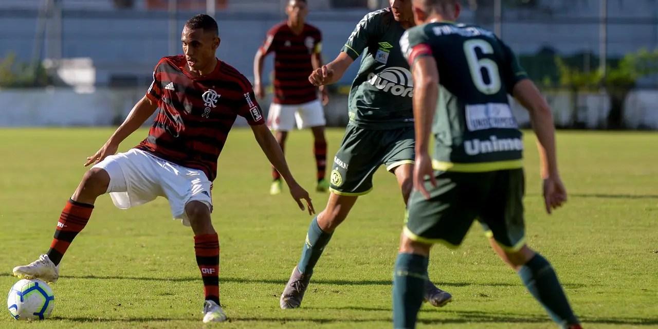 Fla bate a Chapecoense e encara o Athletico nas quartas de final do Brasileiro