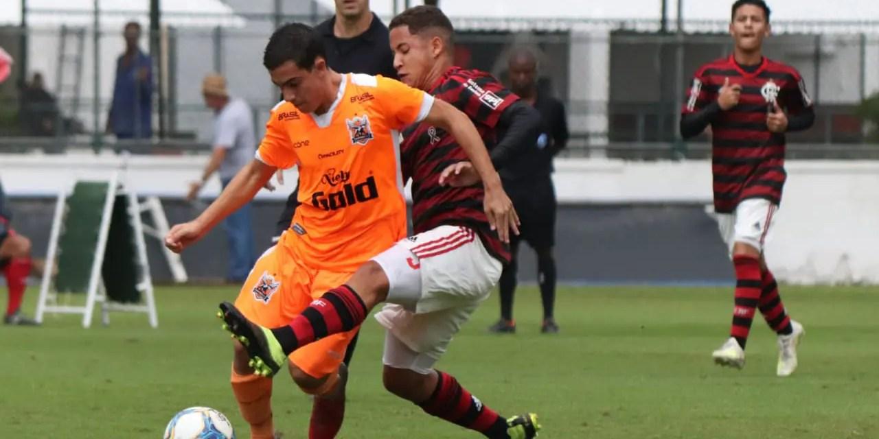 Sub-16 garante vaga na semifinal do Torneio Guilherme Embry