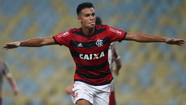 Flamengo está perto de vender Reinier por R$169 milhões para o Everton