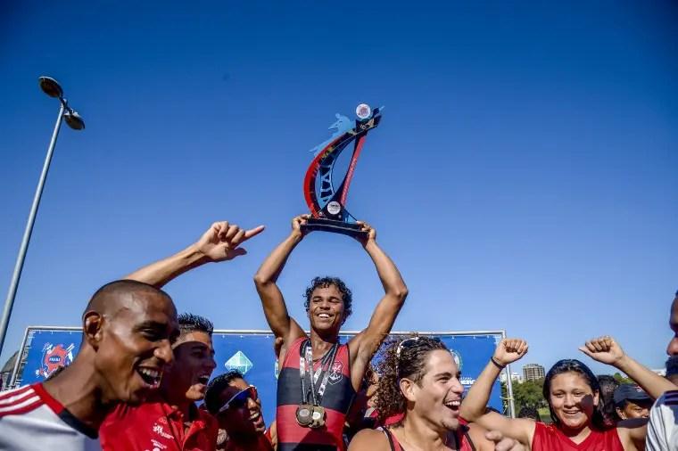 Time do Flamengo vence 3ª Regata do Estadual de Remo