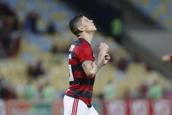 Flamengo encaminha empréstimo de Ronaldo  para o Bahia até dezembro