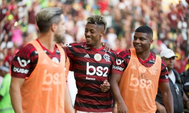 Com goleada sobre o Corinthians, Flamengo iguala sua maior sequência invicta na história do Brasileirão