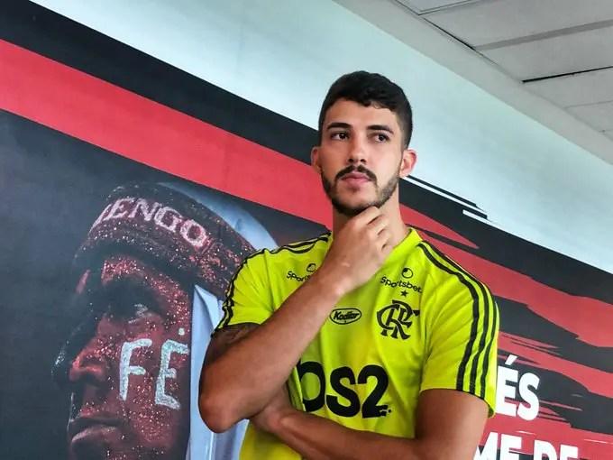 Gustavo Henrique vive seu primeiro dia como jogador do Flamengo