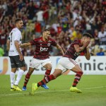 Trio de garotos reage a primeiros gols no profissional
