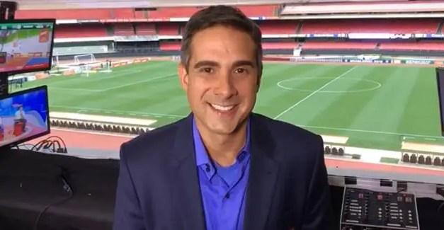 Villani lê nota oficial sobre Flamengo durante jogo do Vasco na Globo