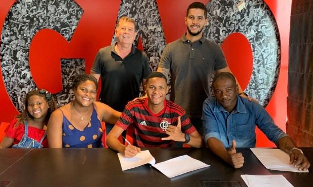 Flamengo renova com joia até 2024 e coloca multa de R$ 348 milhões