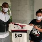 Solidariedade: último dia para comprar a rifa de mantos autografados por Juan, Júnior e Rafinha para ação social