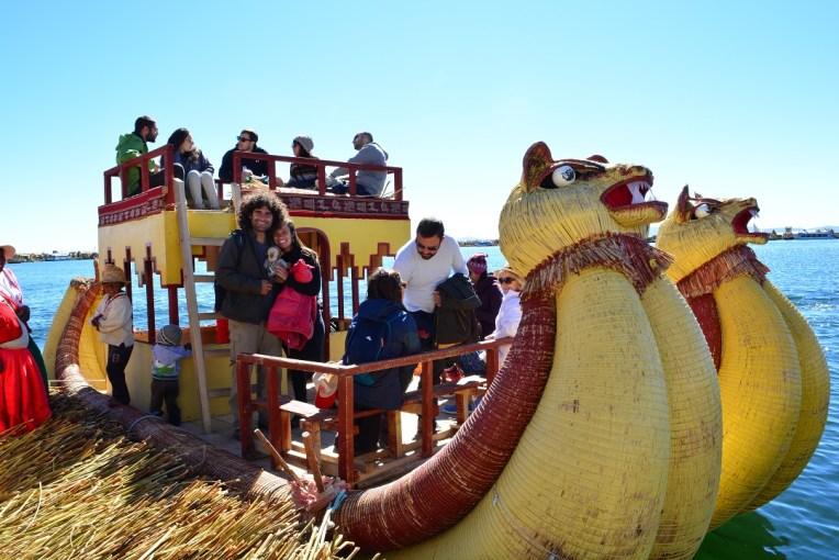 Barco de totora, para navegar pelas ilhas de Uros