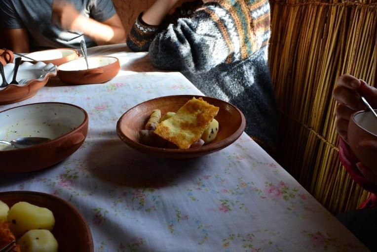 Nosso almoço. Simples, mas delicioso em Amantani
