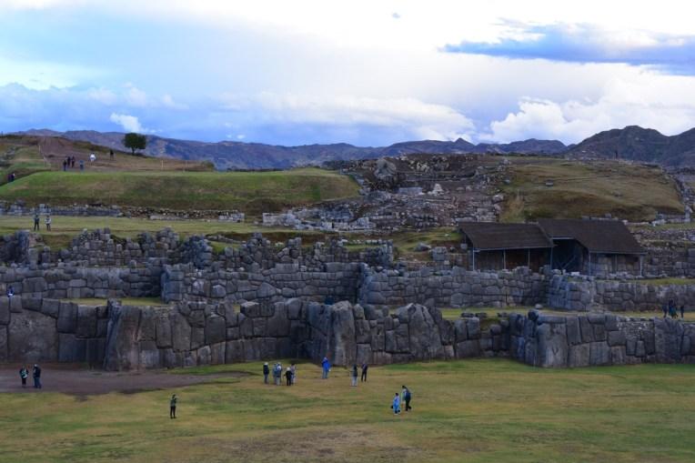 Ruínas do forte de Saqsayhuamán